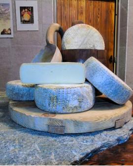Formaggio semistagionato latte vaccino 1,8 kg - Caseificio Artigiano Variney - Elisei Duclos